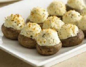 Ciuperci umplute cu brânză de burduf