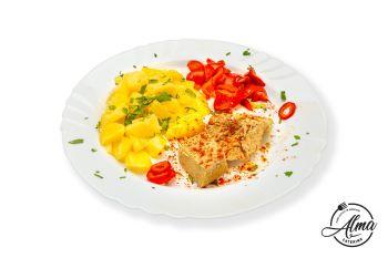 Pulpă de porc la tavă cu cartofi natur și salată de gogoșari în oțet