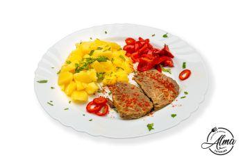 Pulpă de vită la tavă cu cartof natur și salată de sezon  / salată de varză murată