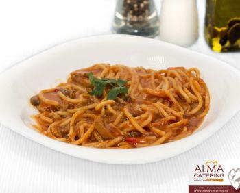 Spaghetti cu ciuperci și sos tomat